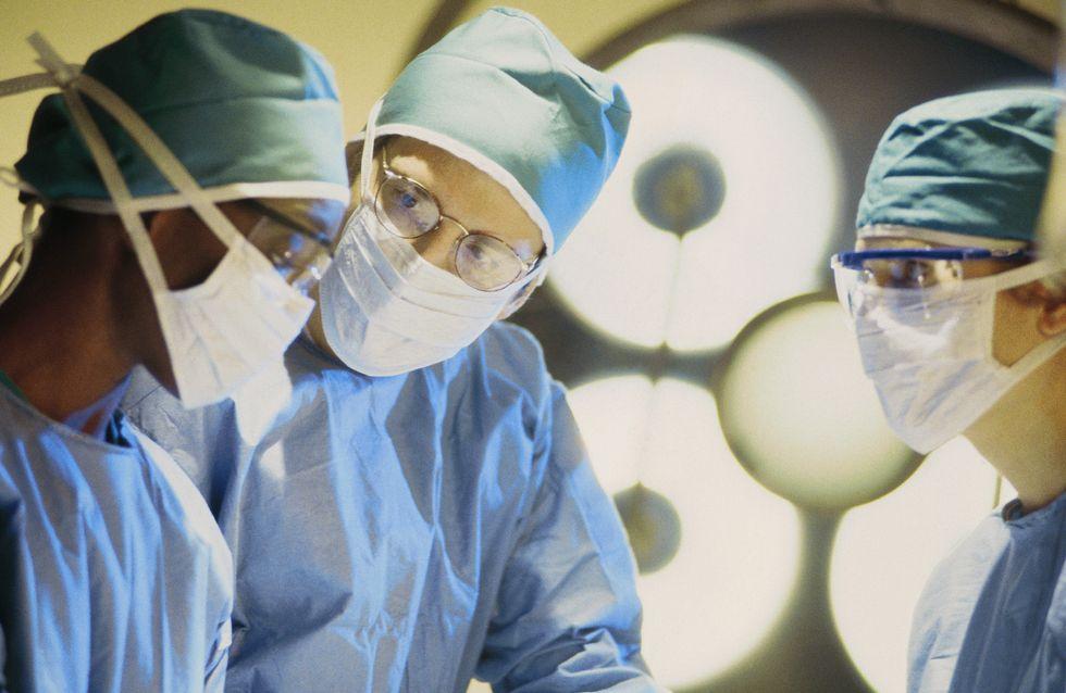 Un chirurgien se loupe et lui retire le mauvais testicule...