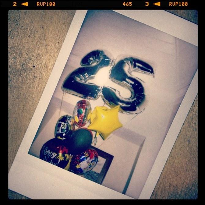 rihanna, chris brown ,anniversaire, 25 ans, hawaï, joint, marijuana, gâteau