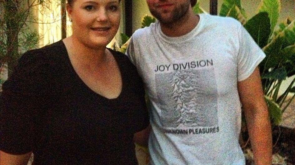 Robert Pattinson : Il a du temps pour ses fans mais pas pour Kristen Stewart (Photos)