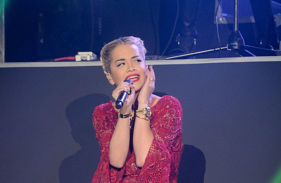 Rita Ora : Son look très hot au défilé Etam (Photos)