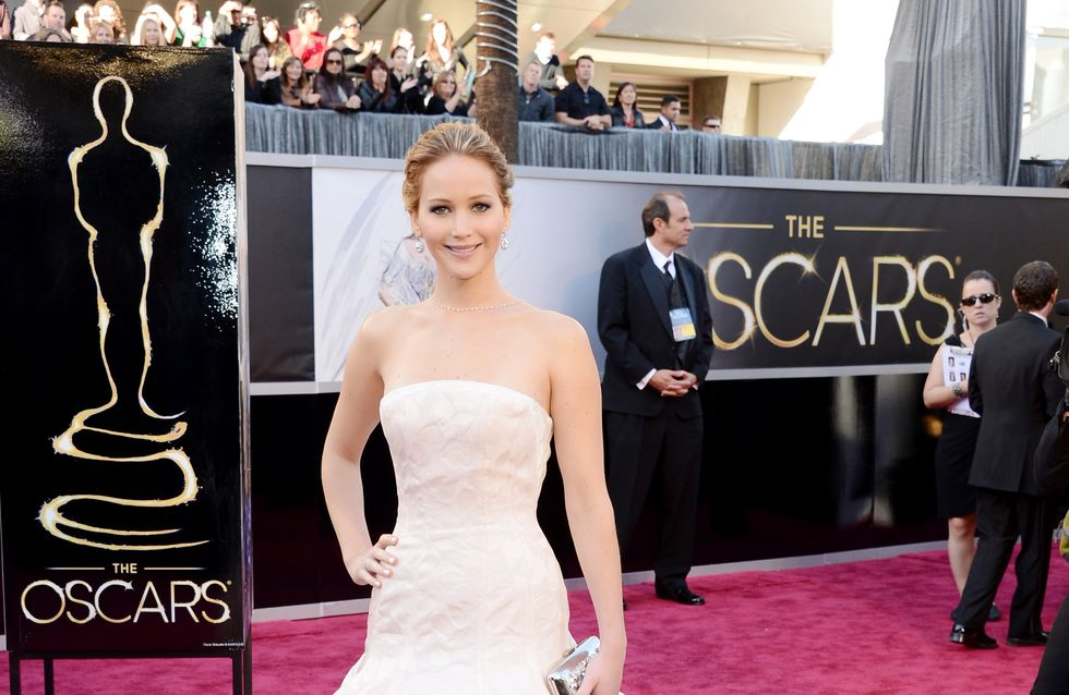 Jennifer Lawrence : Elle fume un joint !