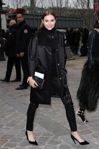 Elizabeth Olsen au défilé Louis Vuitton