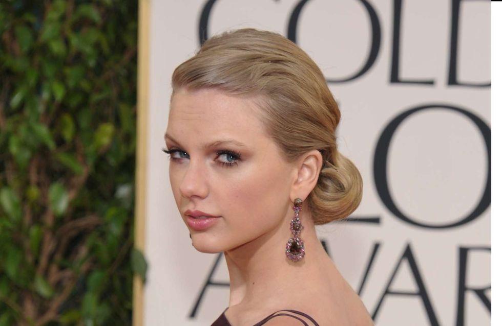 "Taylor Swift : ""J'ai rompu avec Harry car il m'a trompée"""