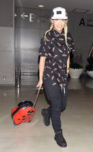 Rita Ora sans maquillage
