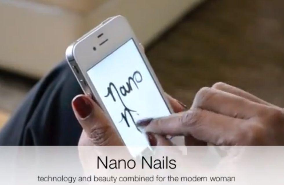 Des faux-ongles adaptés aux écrans tactiles