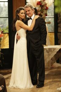 Victor Newman (Eric Braeden) et l'une de ses nombreuses femmes