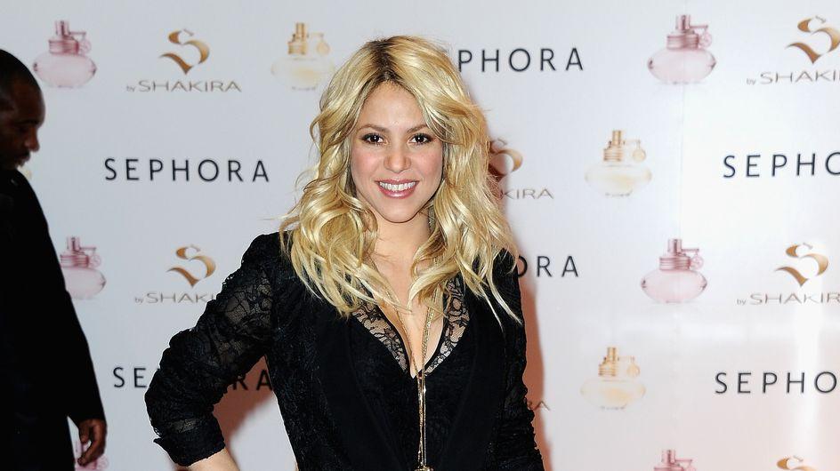 Shakira : Une silhouette au top sur les Champs-Elysées ! (Photo)