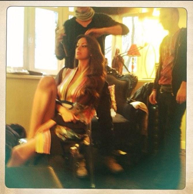 Zahia Dehar brune !
