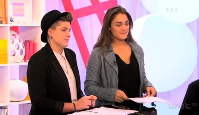 Claire et Laura répètent pour The Voice