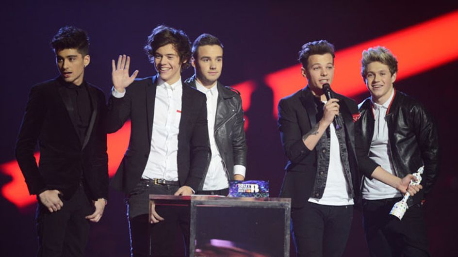 VIDEO: One Direction treat fans to Harlem Shake dance at gig