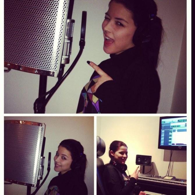 Pauline en studio pour l'enregistrement de son album