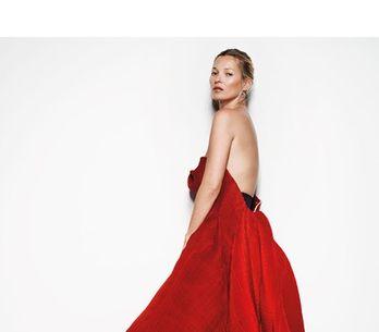 Kate Moss : Sexy et seins nus pour Vogue UK