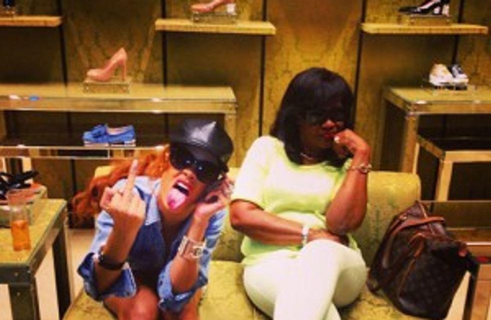 Rihanna : Toujours aussi provocante, même devant sa mère !