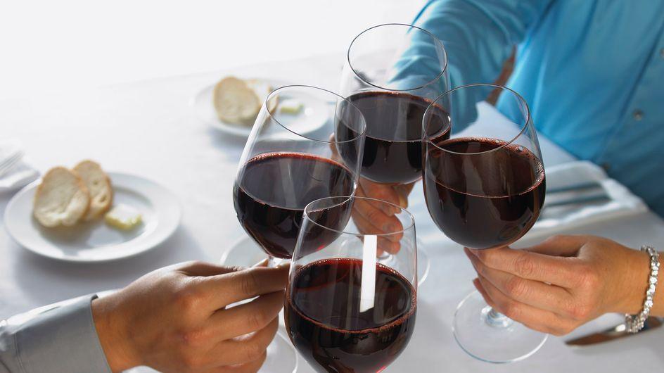 Alcool : Les Français consomment moins mais dépensent plus