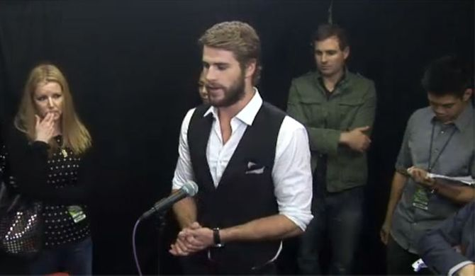 Liam Hemsworth at the MTV Movie Awards 2013