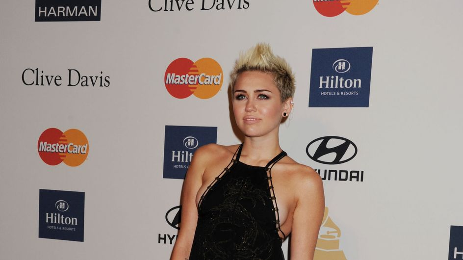 Miley Cyrus : Sans soutien-gorge, la vie est plus folle