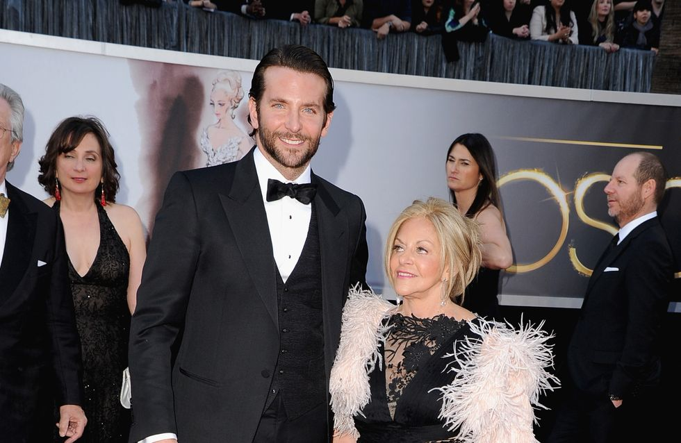 Bradley Cooper, 39 ans :  Oui, j'habite avec ma mère