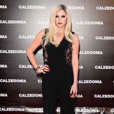 Ke$ha : Elégante et sexy sur le tapis rouge (Photos)
