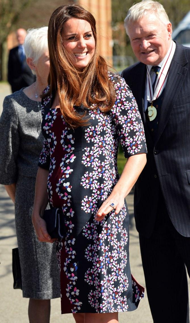 Kate Middleton en visite à Manchester