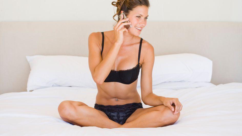 Sexualité : 1 femme sur 5 consulte son smartphone au lit