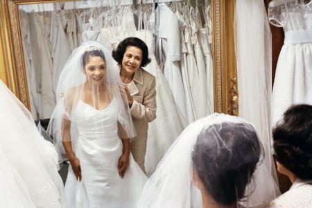 Les mariées privilégient les sous-vêtements amincissants