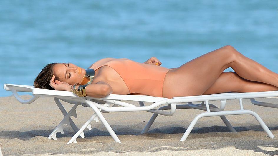Jennifer Lopez : Sexy dans son nouveau clip (Photos)