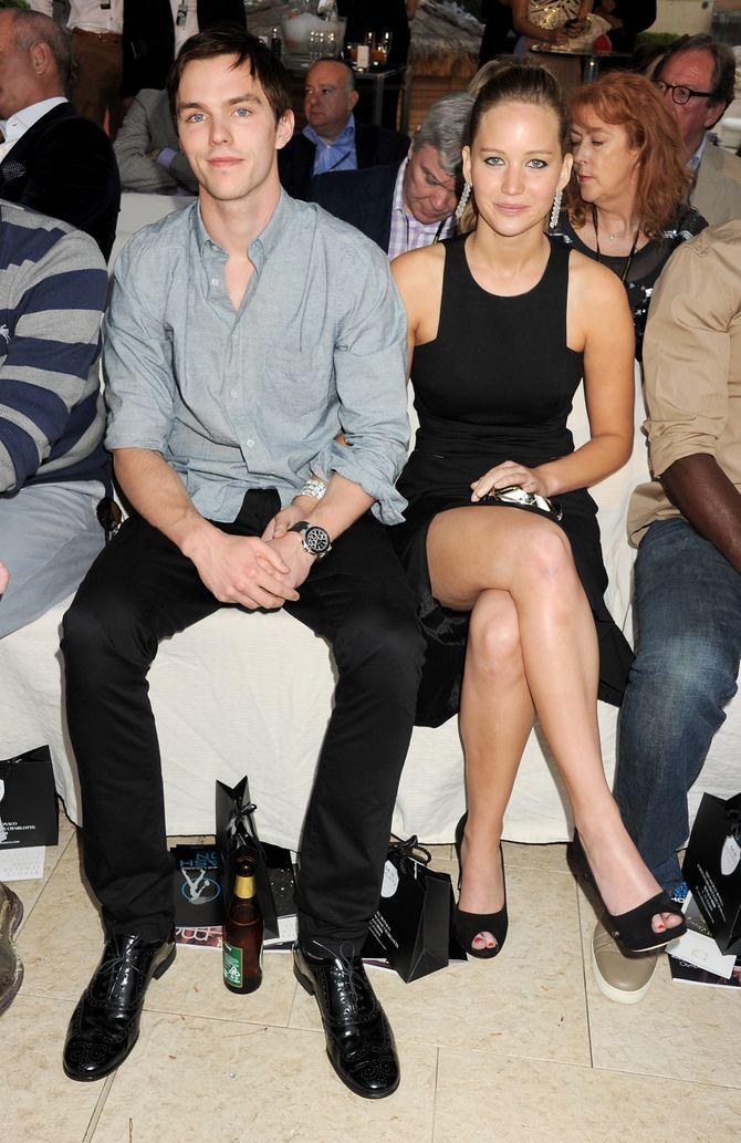 Nicholas Hoult et Jennifer Lawrence en mai 2012