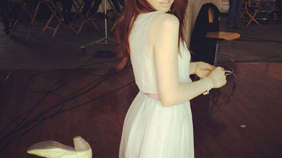 Carly Rae Jepsen dyes her hair red!