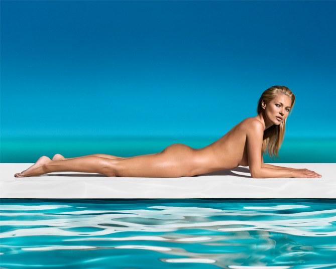 Kate Moss : Nue pour bronzer à St Tropez (Photos)