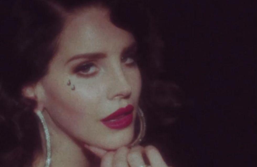 """Lana Del Rey, sensuelle dans le clip de sa chanson """"Young & Beautiful"""" (Vidéo)"""