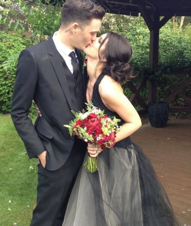 Shenae Grimes et Josh Beech se sont mariés à Londres