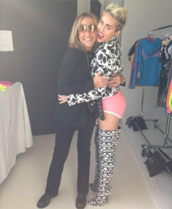 Miley Cyrus sans pantalon