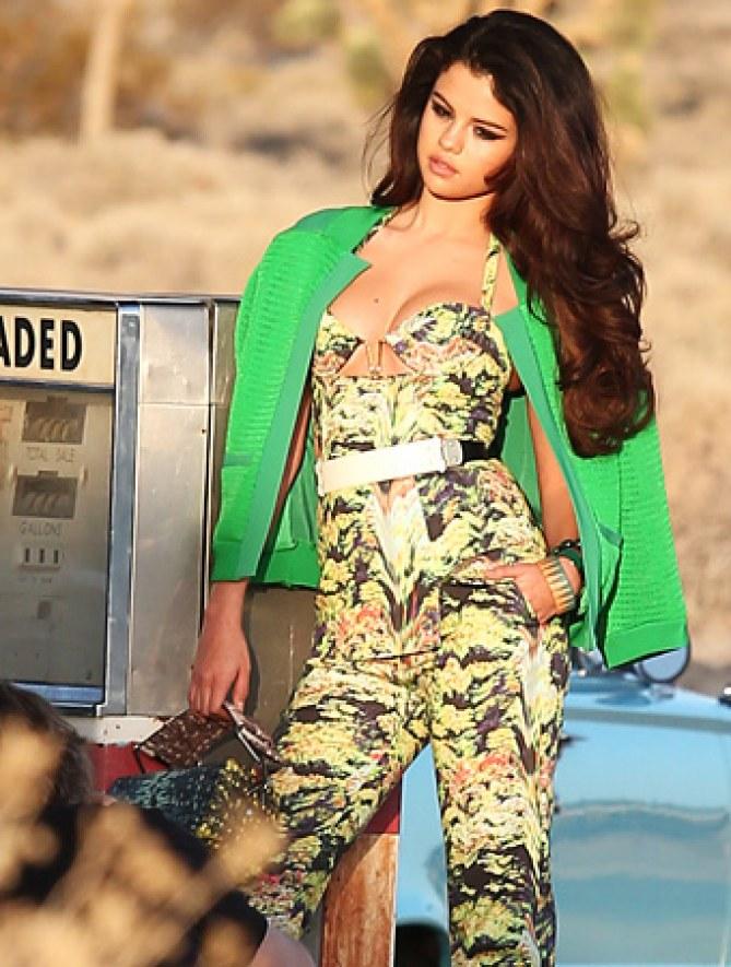 Selena Gomez pour InStyle