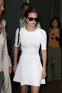 Festival de Cannes 2013 : Emma Watson radieuse à son arrivée