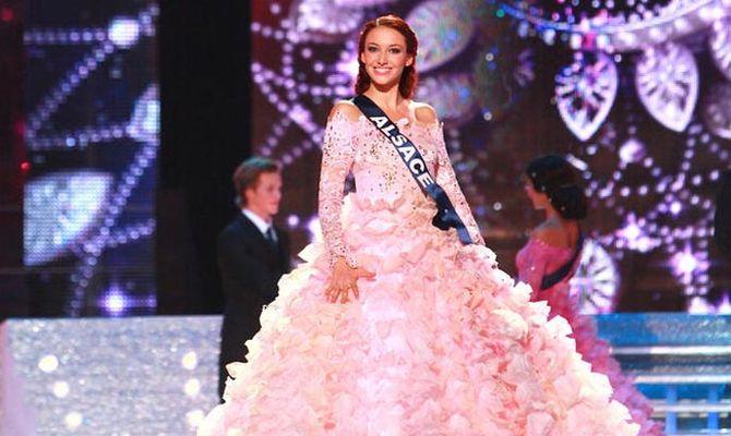 Delphine Wespiser pour l'élection de Miss France 2012
