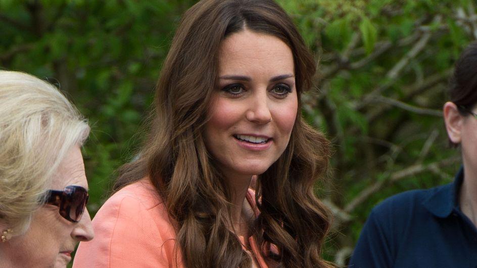 Kate Middleton enceinte : Karl Lagerfeld la relooke (photos)