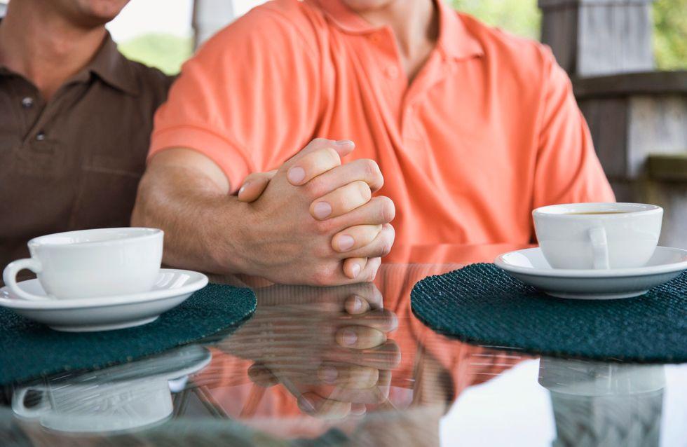 Homophobie : 2 couples homosexuels sur 3 n'osent pas se tenir la main en public