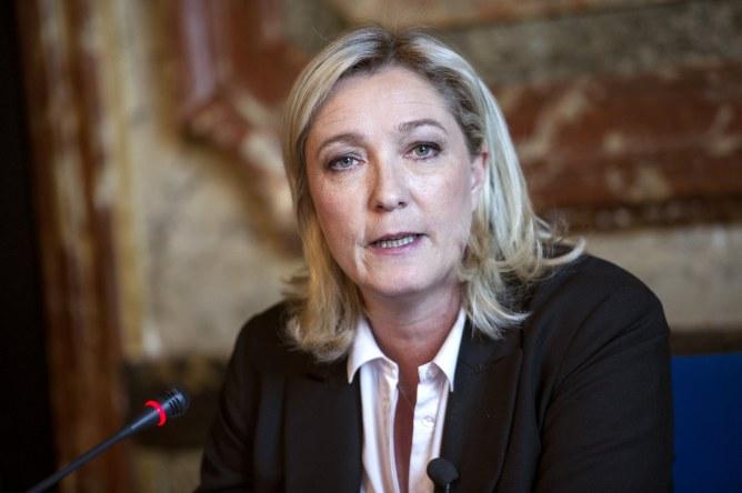 Marine Le Pen victime d'un grave accident de la colonne vertébrale
