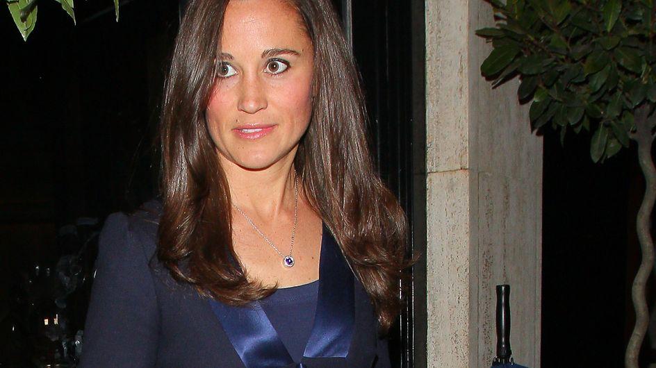 Pippa Middleton : Un vrai look de working-girl en Sandro (Photos)
