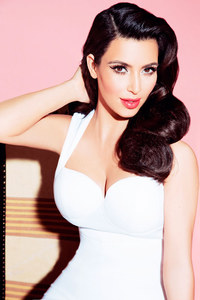 Kardashian's new clothing line hits Dorothy Perkins