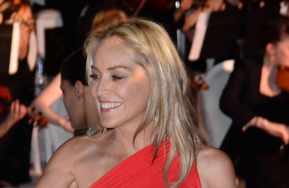 Festival de Cannes 2013 : Sharon Stone, flamboyante et sexy en rouge (Photos)