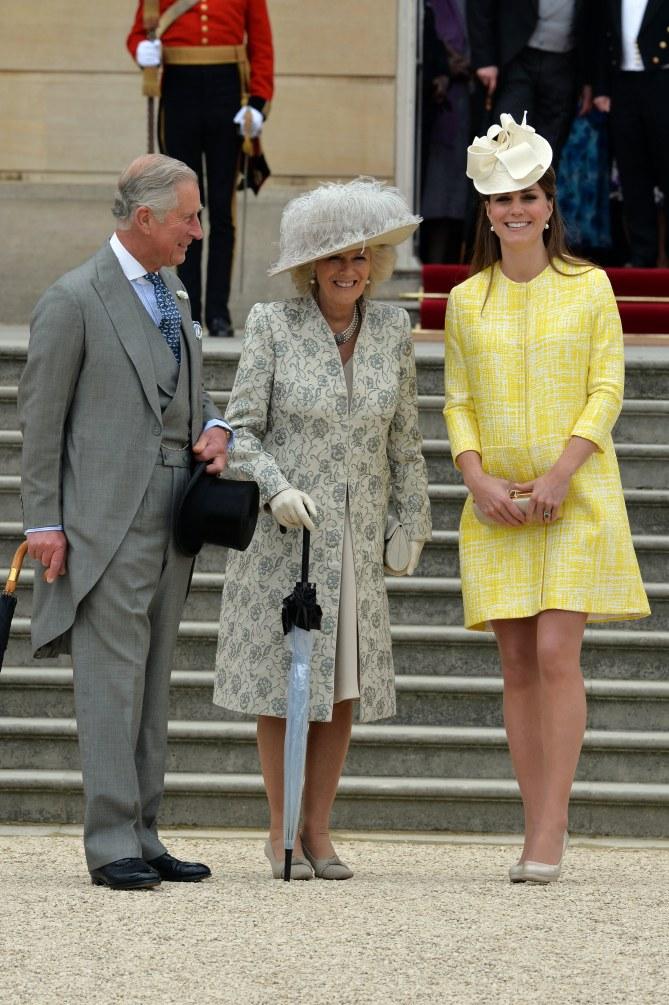 Kate Middleton en compagnie du prince Charles et de Camilla Parker-Bowles