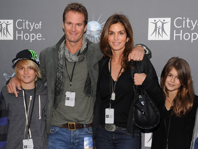 Cindy Crawford en compagnie de son mari, son fils et sa fille