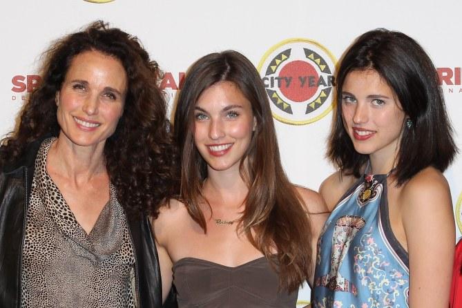 Andie MacDowell en compagnie de ses deux filles