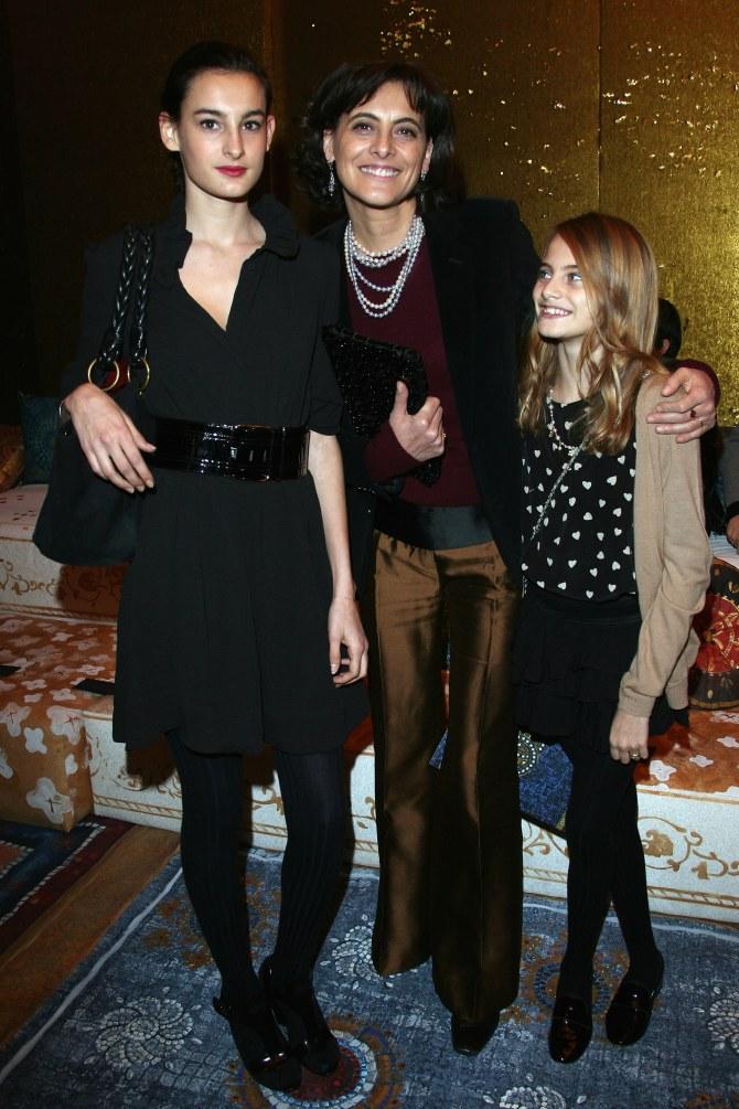 Inès de la Fressange en compagnie de ses deux filles
