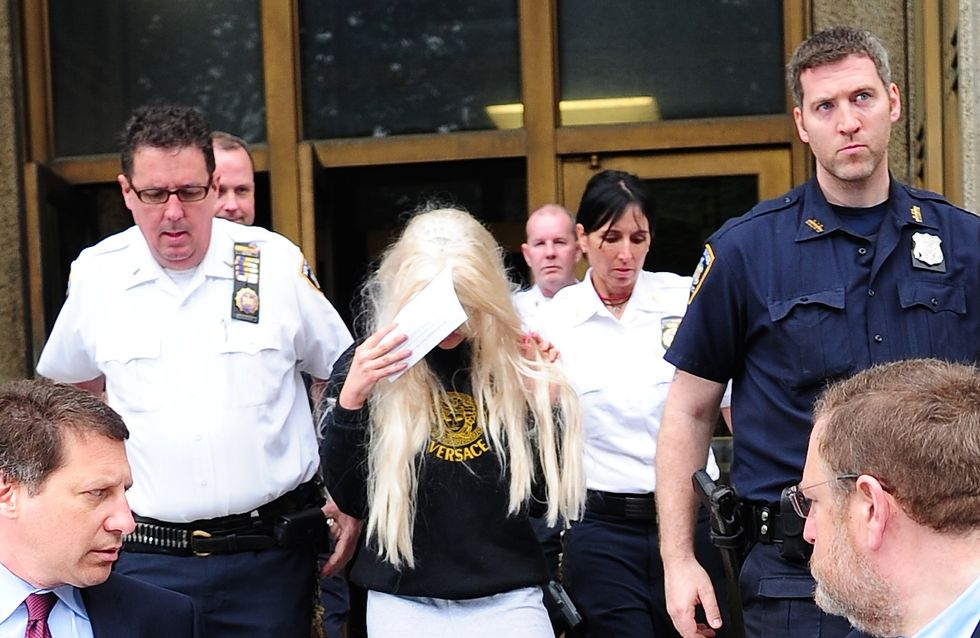 Amanda Bynes agresse violemment Rihanna