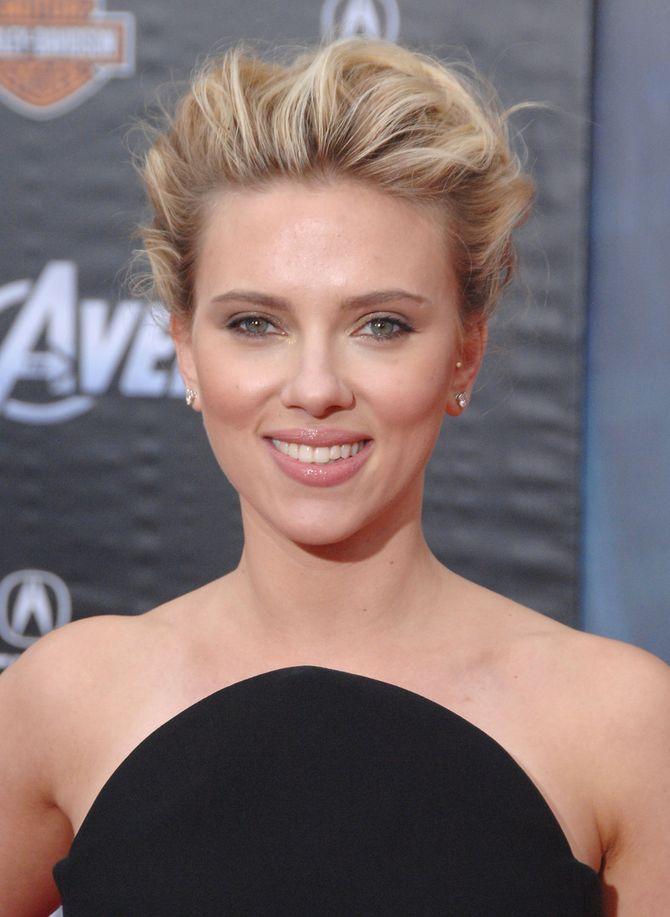 Scarlett Johansson : Bientôt dans le rôle d'Hilary Clinton ?