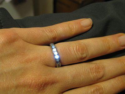 Bague de mariage qui s'illumine