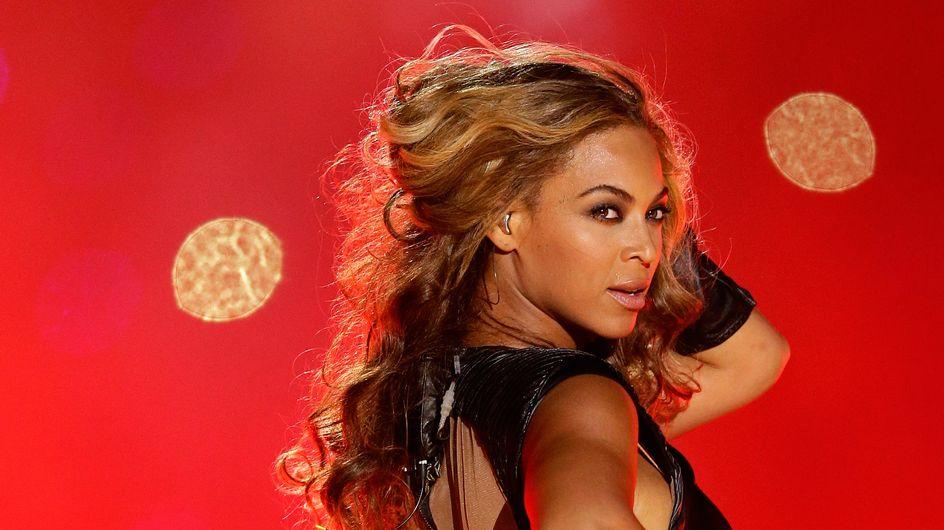 Beyoncé : Un fan lui met la main aux fesses (video)