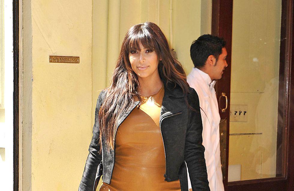 Kim Kardashian : En tongs et sans maquillage